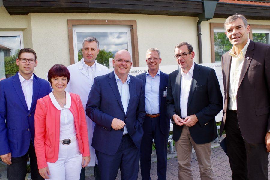 Mdb Dr Edgar Franke Besuchte Hospital Zum Heiligen Geist Spd